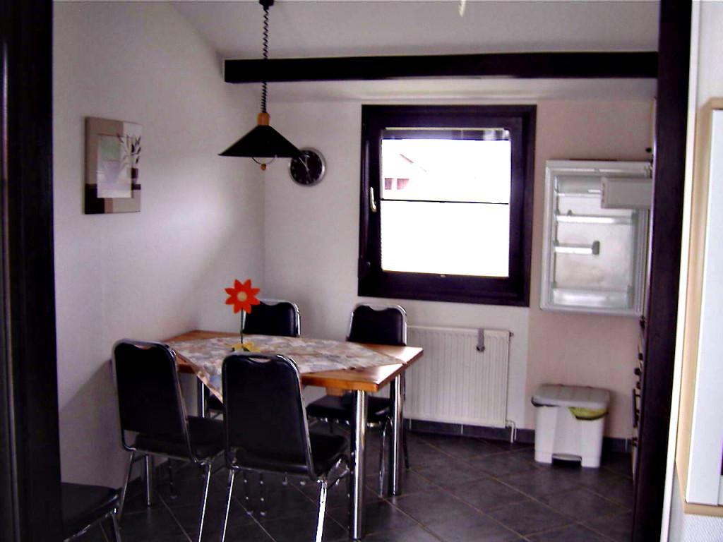 esstisch ferienhaus tenhonsel. Black Bedroom Furniture Sets. Home Design Ideas